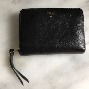 Black Leather fossil wallet zip around small green